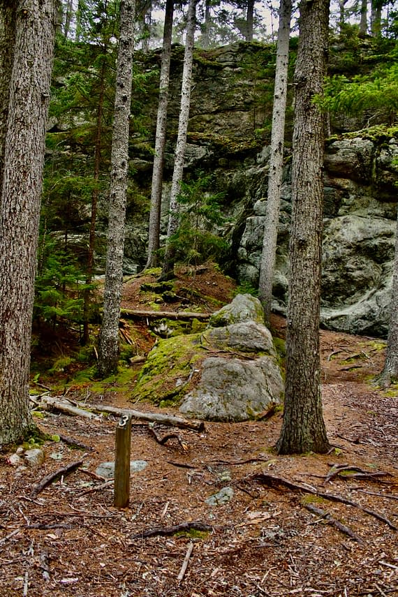 Granite formations on the Morse Mountain trail.
