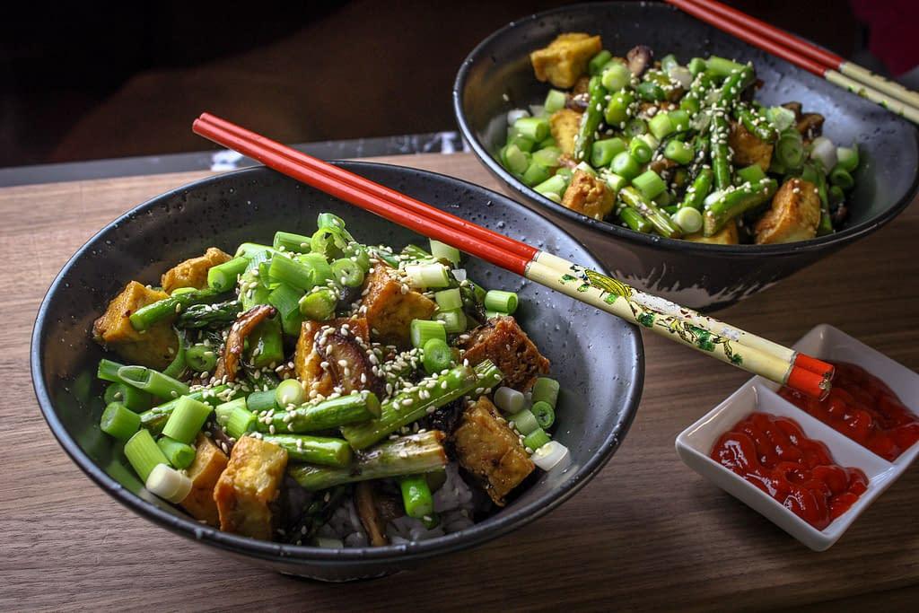 Tofu stir fry with sriracha sauce.