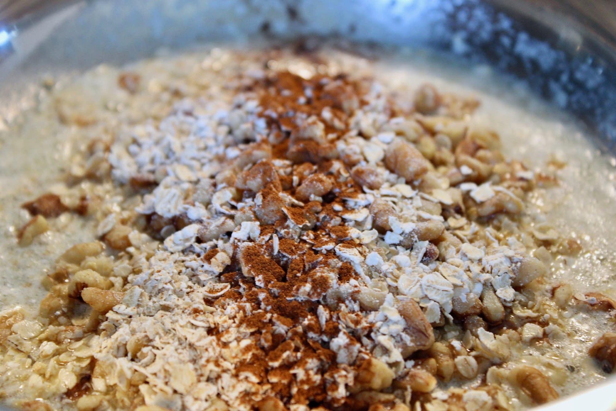 Streusel topping cooking pan.